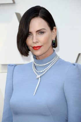 Fans went wild over Charlize Theron's newly-dyed brunette frocks. (Photo: WENN)