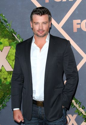 """One of his close friends is """"Smallville"""" actor Tom Welling, who he met when they both used to model. (Photo: WENN)"""