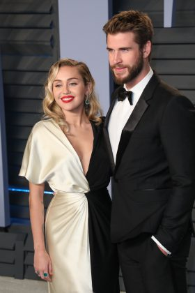 Miley and Liam got re-engaged in 2016. (Photo: WENN)