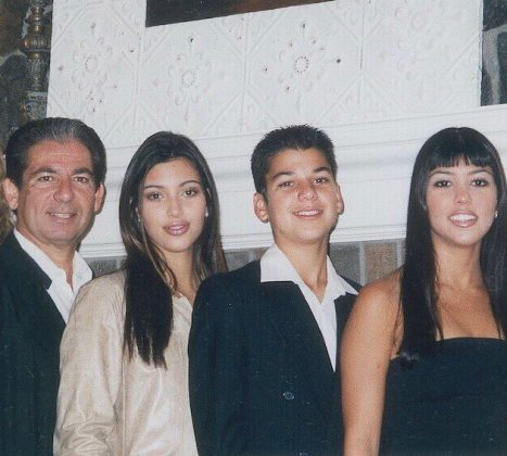 A 1999 picture of Kim, Rob, Kourtney and their dad. (Photo: Instagram)
