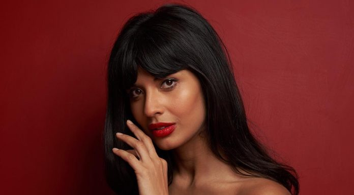 Who is Jameela Jamil? Here are 10 facts you need to know about our favorite 'The Good Place' star (sorry, Kristen!). (Photo: Instagram)