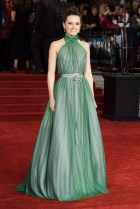 Daisy Ridley shined in a green custom Vivienne Westwood look at the London premiere of the 'Murder on the Orient Express' premiere. (Photo: WENN)