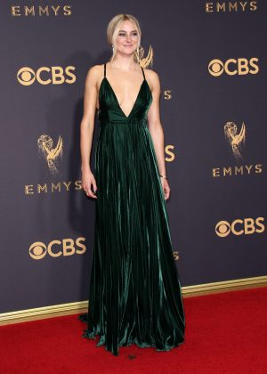 Shailene Woodley wowed at the 2017 Annual Emmy Awards wearing a stunning moss green velvet Ralph Lauren dress. (Photo: WENN)