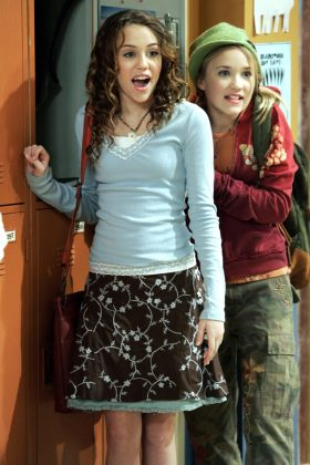 Miley and Emily weren't exactly BFFs off-screen. However, as the show progressed, they learned to get along and even became real-life friends. (Photo: Release)