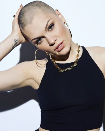 In 2013, Jessie J shaved her entire head for charity on live TV. She collaborated with Comic Relief, a British NGO with a vision of a just world, free of poverty. She kept the do for several months. (Photo: Instagram)
