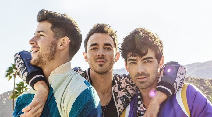 In honor of the band's great comeback, we take a look at 8 ways in which the Jonas Brothers have changed. We are suckers for this new phase! (Photo: Instagram)