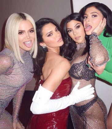 The Kardashian-Jenner family is as close as any family can get—and probably closer than most. Every single one of her sisters unfollowed both Tristan and Jordyn on social media after the scandal. (Photo: Instagram)