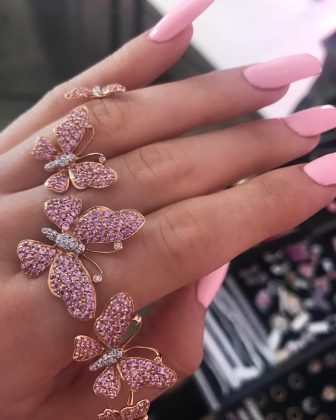 Keeping up with Kylie's beauty routines isn't cheap—specially her nails. She is constantly rocking a new set of nails in almost all of her Instagram posts. Her manicurist, Britney Tokyo, charges $175 for a house call, two-hour session! (Photo: Instagram)