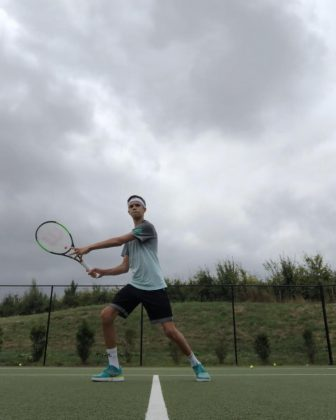 Romeo Beckham is a promising tennis player. (Photo: Instagram)