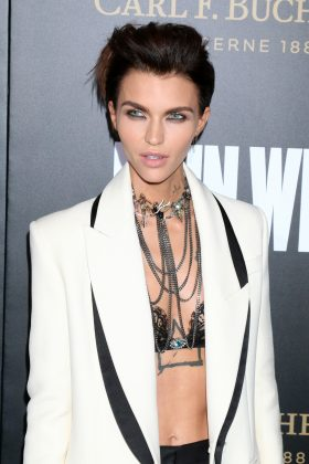 "Ruby Rose stated in an interview with Elle that she doesn't feel completely identify with one specific gender. She stated that she's ""Having the best of both sexes"" and says that she's ""somewhere in the middle"" when it comes to gender. (Photo: WENN)"