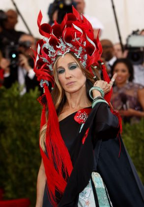 There are some things only SJP can pull off. These include all the massive headpieces Sarah Jessica Parker has dared to wear on the Met Gala's red carpets over the years. Don't try this at home. (Photo: WENN)