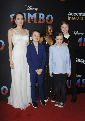 Jolie attended the Dumbo premiere with 4 of her children. (Photo: WENN)