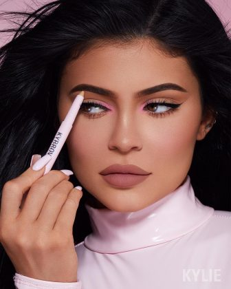 The new Twitter banner promotes her new Kylie Cosmetics Kybrow Collection. (Photo: Instagram)