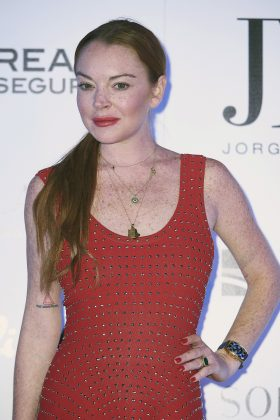 Lindsay Lohan trashed the look in an Instagram comment. (Photo: WENN)