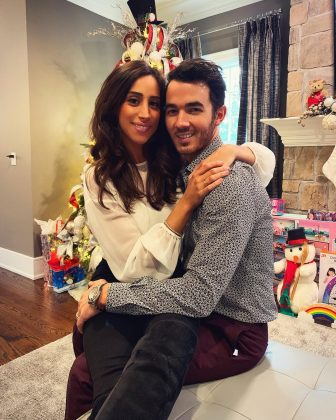 Kevin and Danielle have been married for nearly 10 years. (Photo: Instagram)