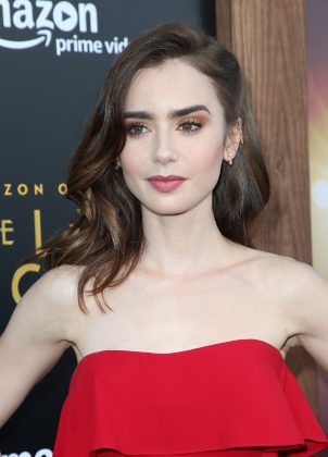 Chris and Lily Collins ignited rumors of a romance in early 2015 after they met at an Oscars afterparty. But by March of that year, this had apparently fizzled. (Photo: WENN)