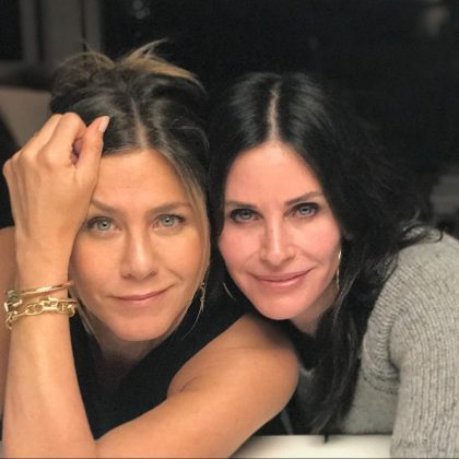 Can we talk about the fact that Rachel and Monica are best friends in real life as well? (Photo: Instagram)