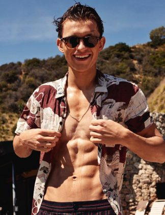 Even if you aren't the biggest fan of Tom Holland's Spider-Man, there's no denying he's got the ripped body of a true superhero. And we're here for it! (Photo: Instagram)