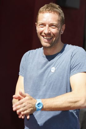 "Chris Martin rep, however, confirmed the pair ""did not kiss"" and are ""just friends."" (Photo: WENN)"