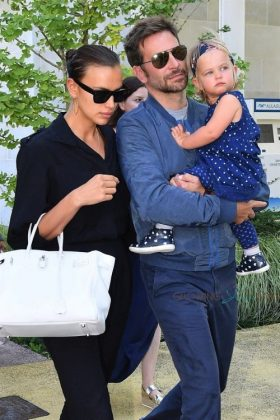 """""""They've been doing a great job of co-parenting and will continue to do so as their daughter is their No. 1 priority,"""" a source revealed. (Photo: WENN)"""
