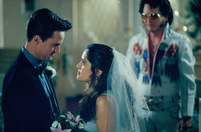 """Matthew stars in """"Fools Rush In"""" playing Alex Whitman, a nightclub builder who has a one-night stand with Isabel Fuentes (Salma Hayek), leading to an unexpected pregnancy. (Photo: Release)"""