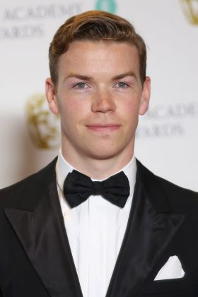 """Bill Skargards's work in """"It"""" was overwhelmingly positive. However, he wasn't the first choice to play the lead. Before Bill, Will Poulter was slated to portray Pennywise. (Photo: WENN)"""