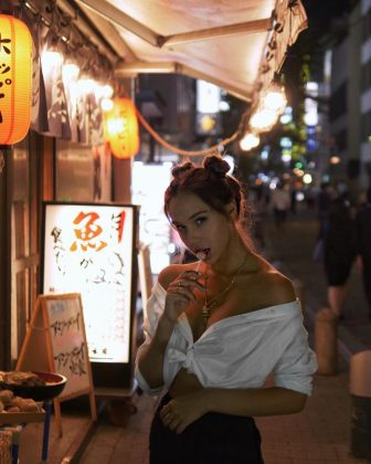 At 14, Alexis took her modeling to Japan. The country and its culture have since landed a special place in her heart. She's also a big fan of anime! (Photo: Instagram)