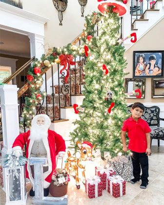 "For the colorful soul she is, former ""Jersey Shore"" star Nicole ""Snooki"" La Valle kept her Chrismtas tree quite traditional. (Photo: Instagram)"