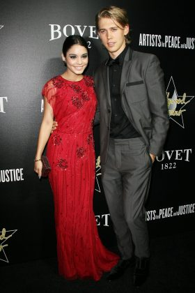 Vanessa and Austin channeled their old Hollywood style at the Doming & Bovet 1822 Gala. (Photo: WENN)