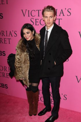 Austin and Vanessa were all smiles as they joined the pink carpet at the 2012 Victoria's Secret Fashion Show. (Photo: WENN)