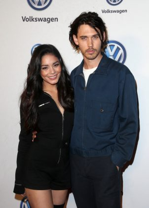 Hudgens and Austin coupled up at the Volkswagen Annual Drive-In event. (Photo: WENN)