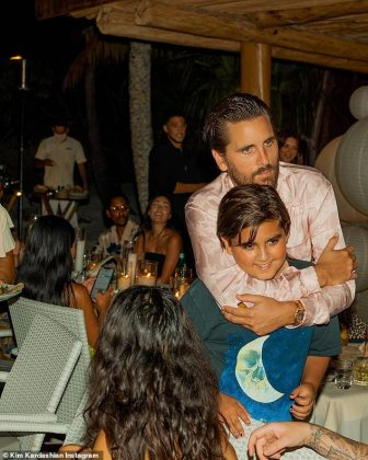 Scott Disick embraced his son Mason Disick during dinner (Photo: Instagram)