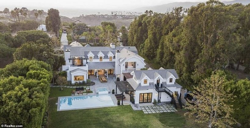 Dakota Johnson has moved into a dream home in Malibu with her boyfriend Chris Martin of Coldplay (Photo: Realtor)